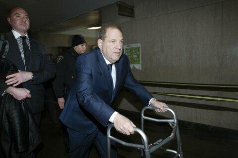 Weinstein judge won't step aside as jury selection resumes