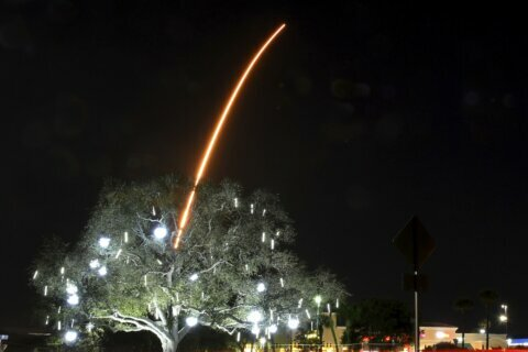 SpaceX launches 60 more satellites, trying to tone them down