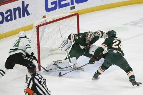 Stalock shuts out Stars, Wild win 7-0