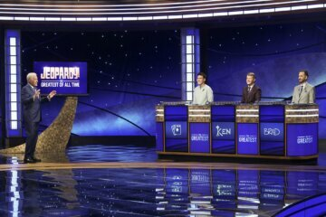 WATCH: 'Jeopardy!' greats go head to head in game show showdown