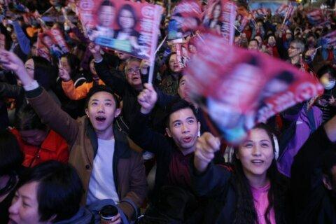 Hong Kong students get close-up look at Taiwan democracy