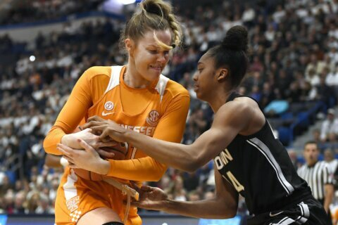 No. 3 UConn women beat No. 23 Tennessee in rivalry renewal
