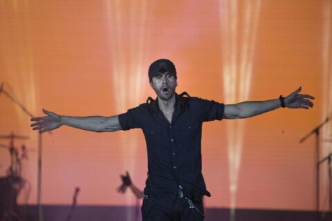 Texas city paid Enrique Iglesias $485,000 for 2015 concert