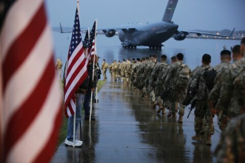On short notice, US fast-response force flies to Mideast