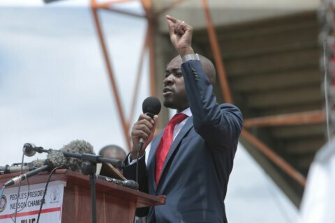 Zimbabwe opposition leader vows street protests on the way