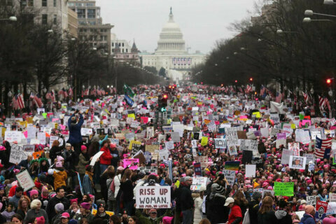 National Archives apologizes for altered photo of 2017 Women's March