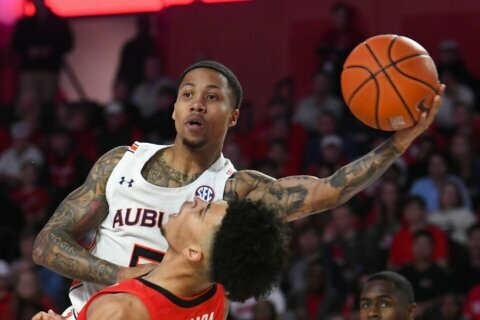 Edwards leads Georgia to surprising win over No. 13 Auburn