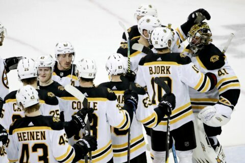 NHL-best Bruins beat Rangers 3-1 for 9th win in 10 games
