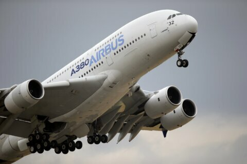 Airbus CEO sees no short-term benefit from Boeing MAX woes