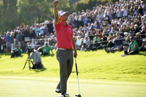 Scott wins at Riviera, Park captures 20th LPGA Tour title
