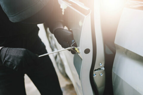 Vehicle breaks-ins remain stubborn problem in Maryland, Virginia