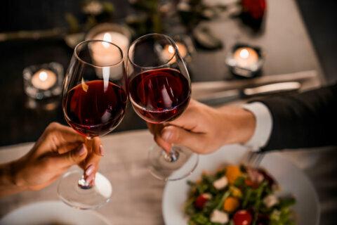 Valentine's Day food freebies and restaurant deals
