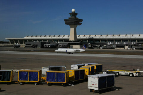 Dulles International Airport tops Reagan National in total passengers for second consecutive year