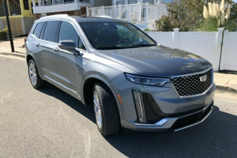 WTOP Car Comparison: Which luxury SUV is right for you?