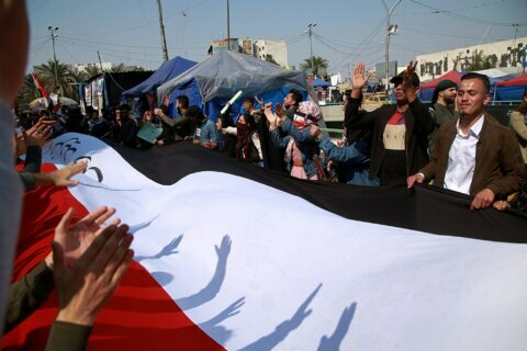 Iraqi officials: 1 protester shot dead in fresh violence