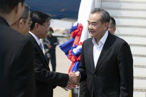 China's top diplomat assures Southeast Asia on epidemic