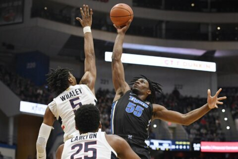 Vital, Bouknight lead UConn to 64-61 win over Memphis