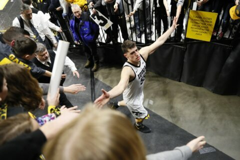 Arizona State tops No. 14 Oregon 77-72 for 6th win in a row