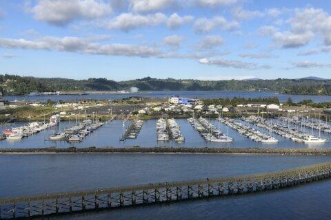 Oregon wrestles with building facilities in tsunami zones