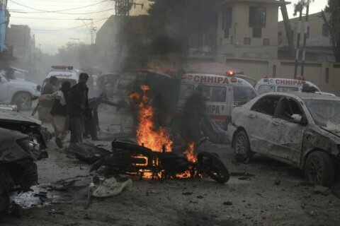 Suicide bomber in SW Pakistan kills 8 at Islamist rally
