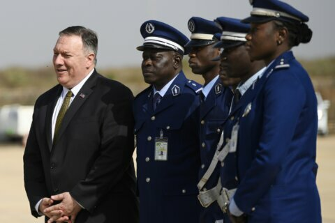 US secretary of state visits Senegal to start Africa tour