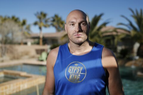 Column: As big fight looms, poolside with the Gypsy King