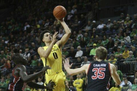 Pritchard scores 25 as No. 17 Oregon beats Utah 80-62