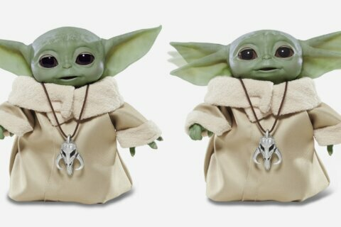Finally the Baby Yoda toys we've been waiting for are here