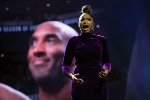 Jennifer Hudson delivers powerful tribute to Kobe Bryant at NBA All-Star Game