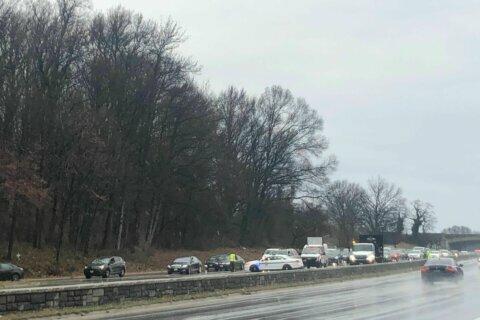 1 dead in multi-vehicle crash on Baltimore-Washington Parkway