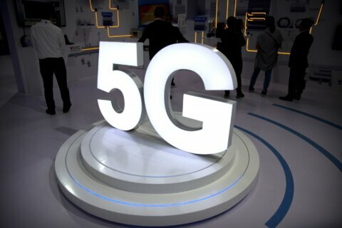 Federal appeals court hears case on FCC's 5G safety standards