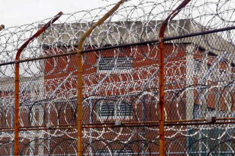 Veto override abolishes life sentences without parole for juveniles in Md.