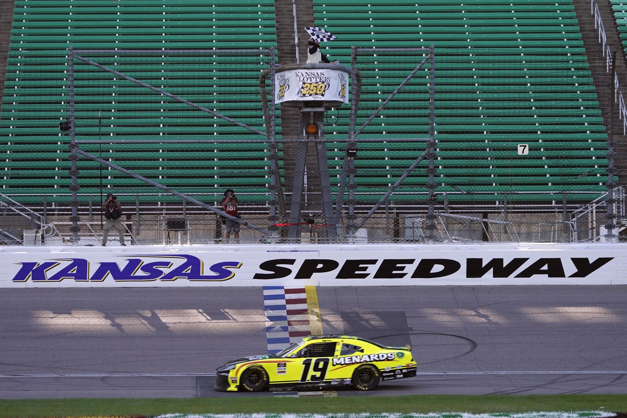 Jones Wins Overtime Nascar Xfinity Race At Kansas Speedway Wtop