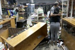 Hundreds Ransack Downtown Chicago Businesses After Shooting Wtop