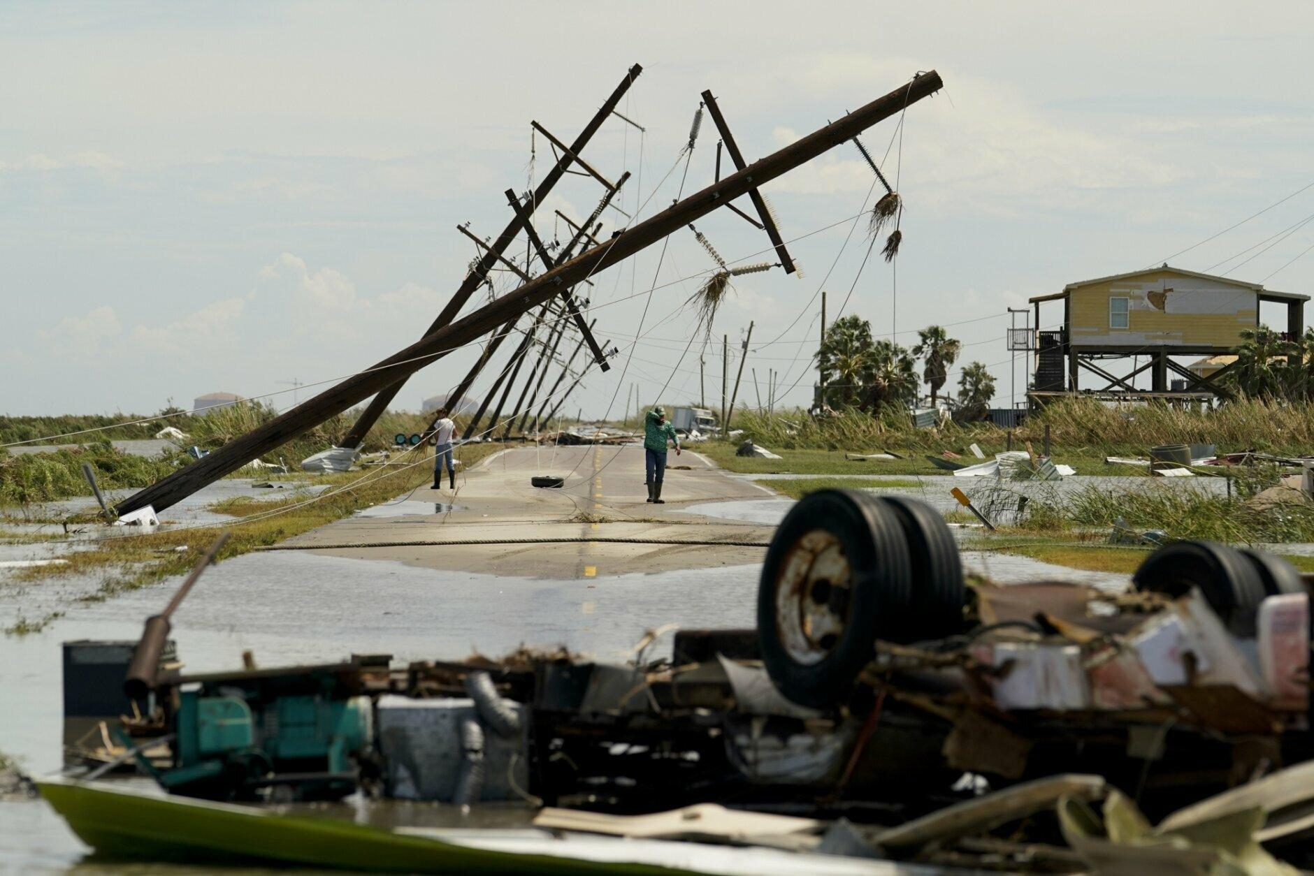 Laura Thrashes Louisiana Nearby States Face Tornado Threats Wtop