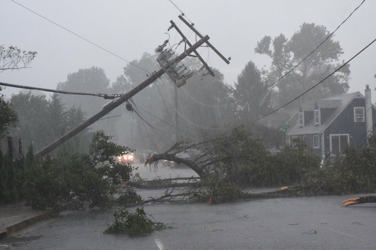 tornado damage near Annapolis
