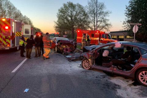 Driver dead in Gaithersburg head-on crash