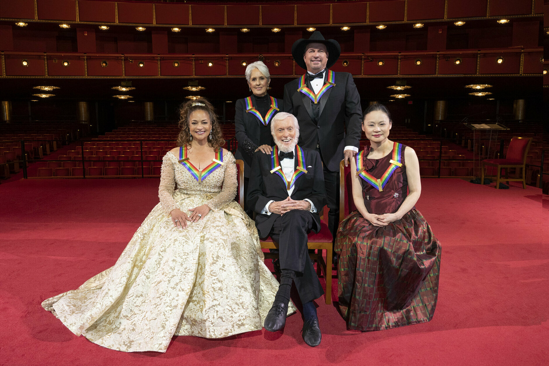 <p>This year&#8217;s honorees &#8212; Debbie Allen, Joan Baez, Dick Van Dyke, Garth Brooks and Midori &#8212; pose at the Kennedy Center. (Michele Crowe/CBS)</p>