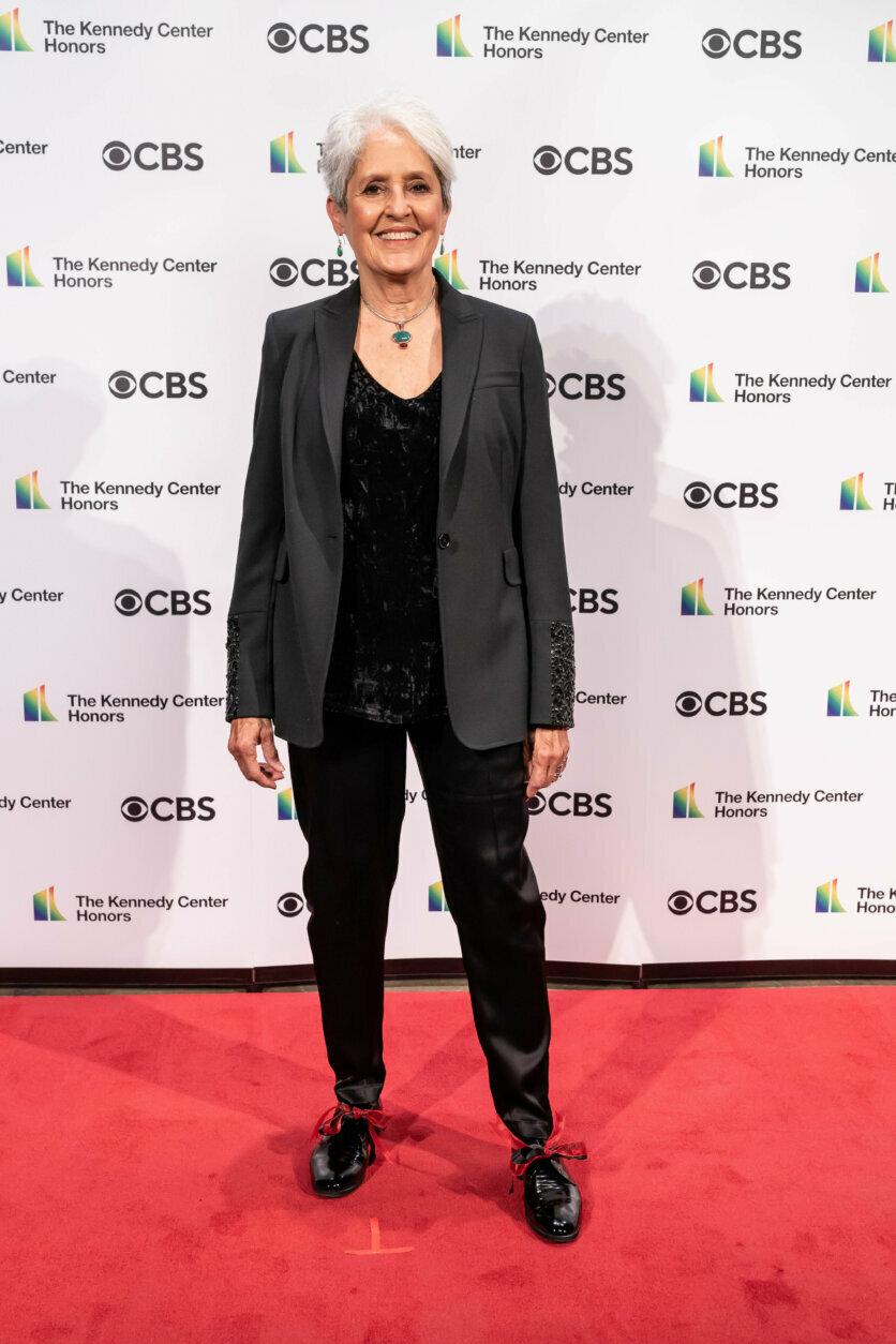 <p>Joan Baez on the red carpet. (Scott Suchman)</p>