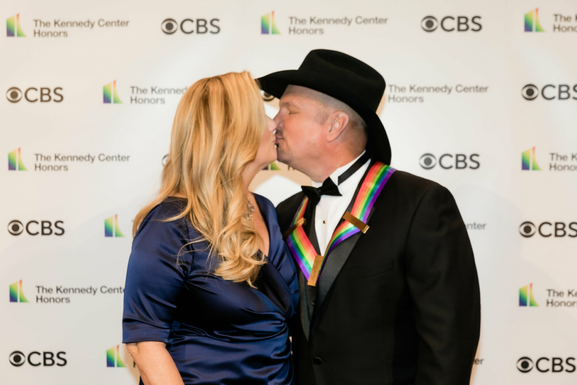 <p>Garth Brooks and Trisha Yearwood on the red carpet. (Tracey Salazar)</p>