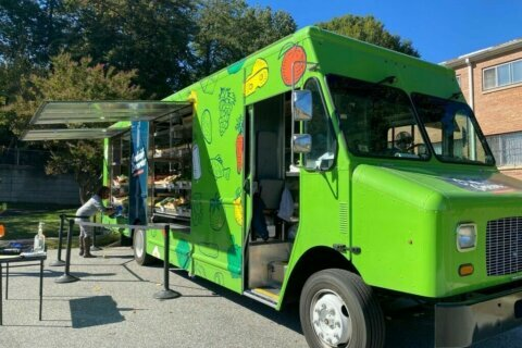 Food bank expands curbside groceries service to more DC-area communities