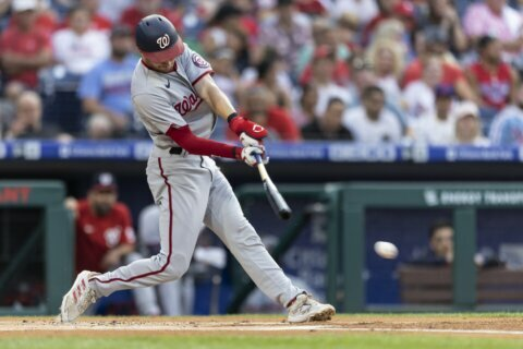 4 Nats players, 8 staffers test positive, game vs Phils ppd