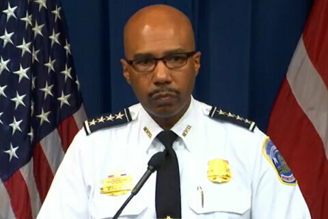 DC police chief says man was killed during struggle with officer