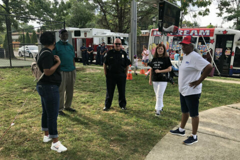 Arlington Co. police aim to build community relations on Night Out