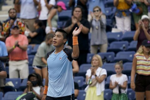 Hometown win: Nakashima edges Fognini in 3 at San Diego Open