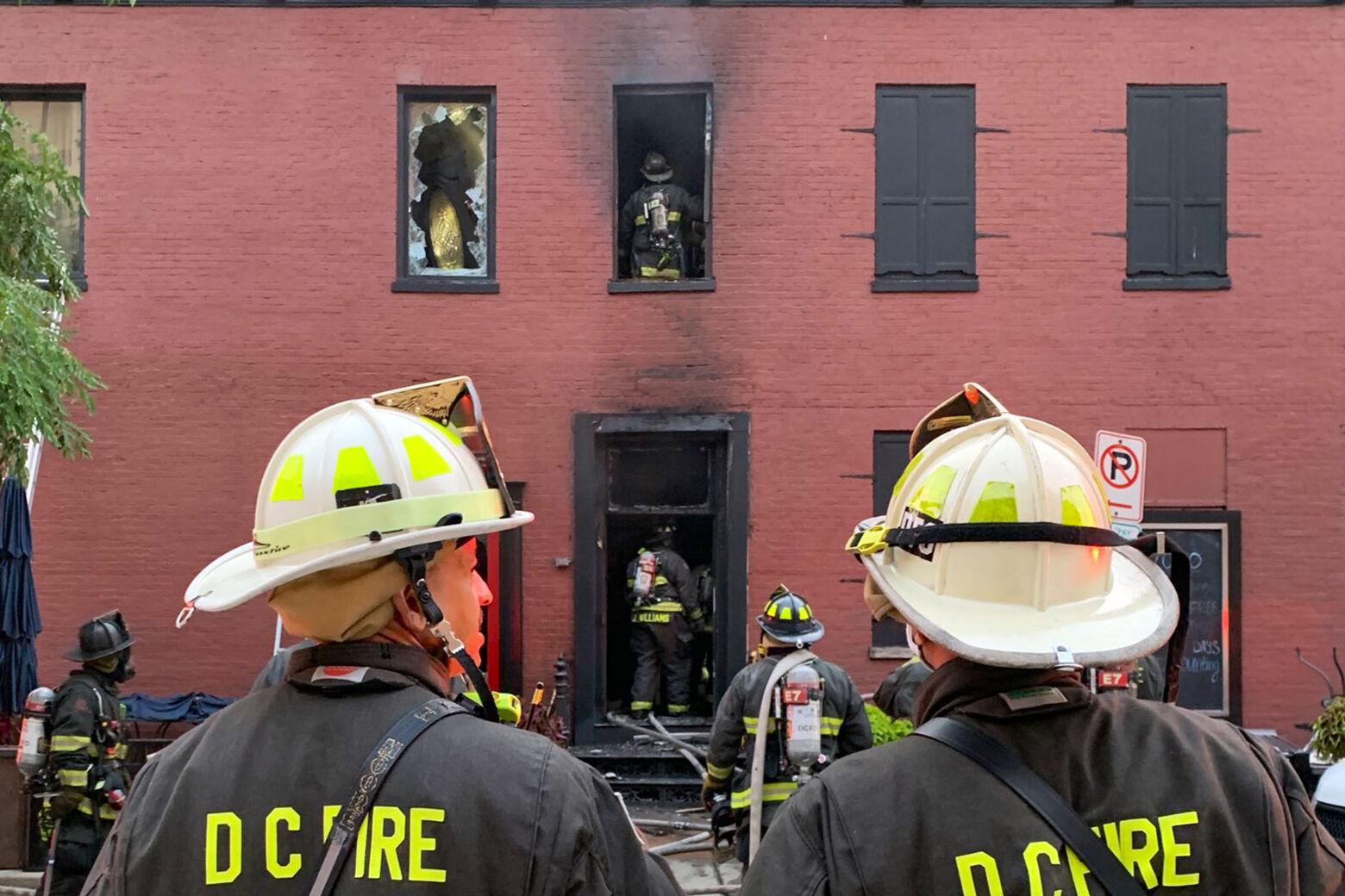 Fire hits DC pub near National Mall