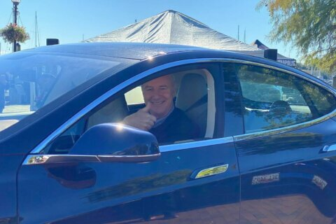 Md. leaders kick off 'drive electric' week in Annapolis