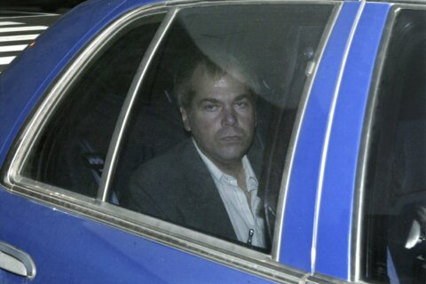 Lawyers to urge no restrictions for Reagan shooter Hinckley