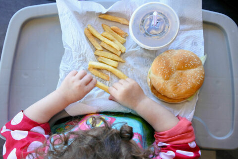 1 in 5 parents says their kids eat more fast food during the pandemic, poll finds