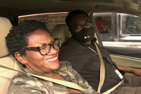 DC couple shares first, last kiss at Dave Thomas Circle Wendy's before restaurant closes